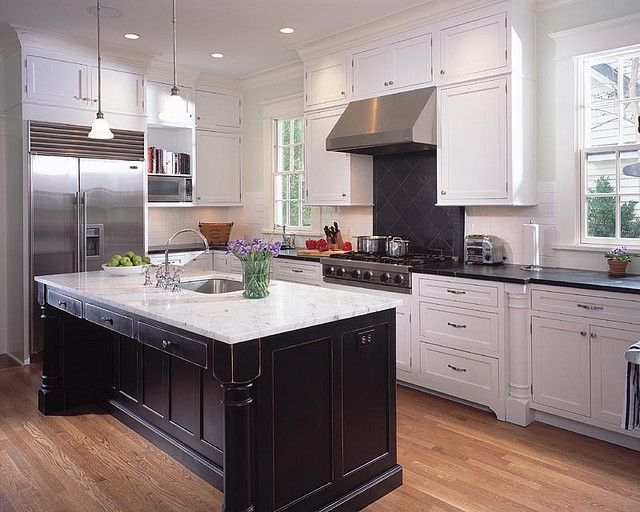 Choosing the right finishing for black and white cabinets for Black and white kitchens photos