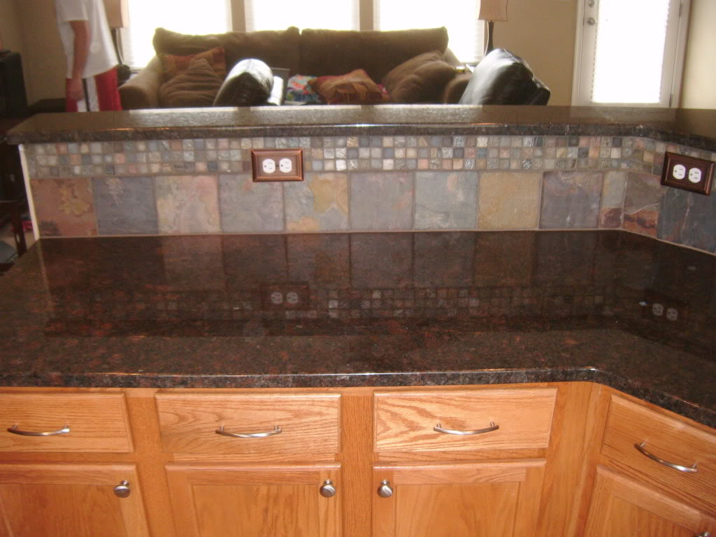 How to decorate brown themed kitchen design home and Granite kitchen countertops pictures