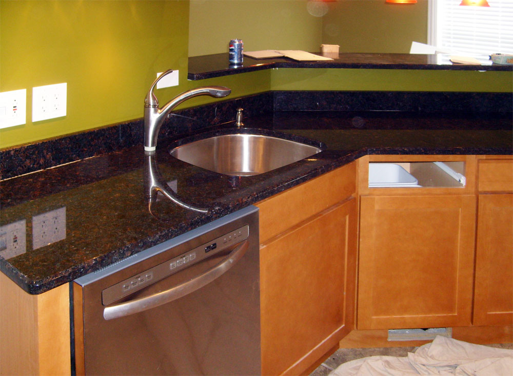 Tan Brown Granite Countertop : How to decorate brown themed kitchen design home and