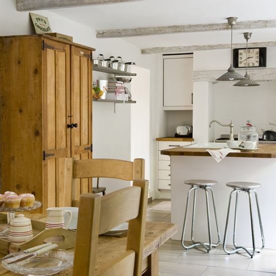 Ingredients that make up a country cottage kitchen home for Cottage kitchen designs