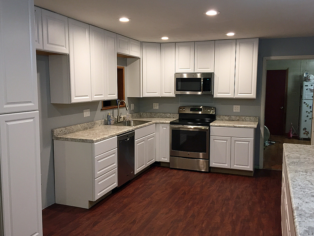 Low budget home depot kitchen home and cabinet reviews for Cabinets kitchen cabinets