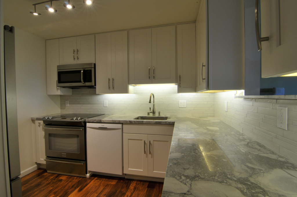 Kitchen Cabinets American Woodmark