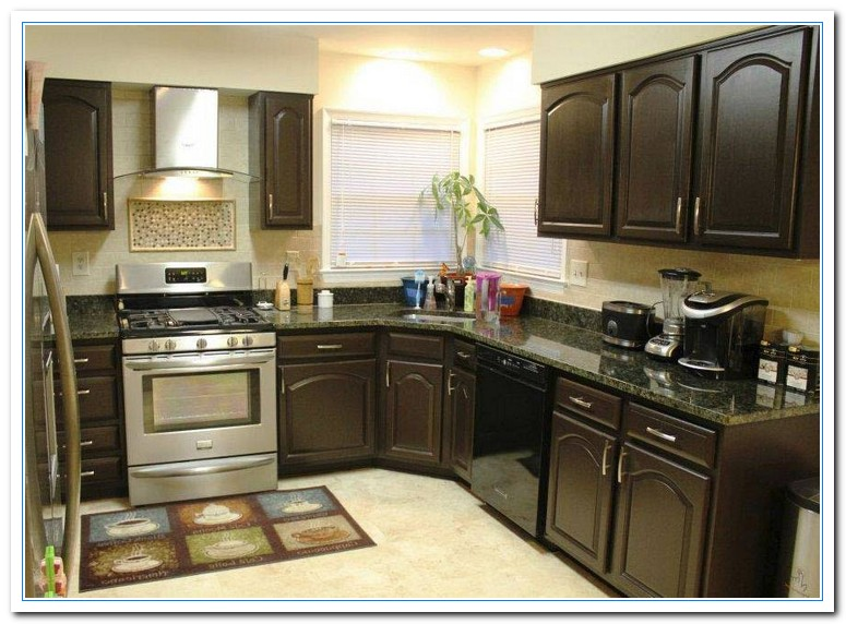 Painted kitchen cabinets color ideas for Paint for kitchen cabinets ideas