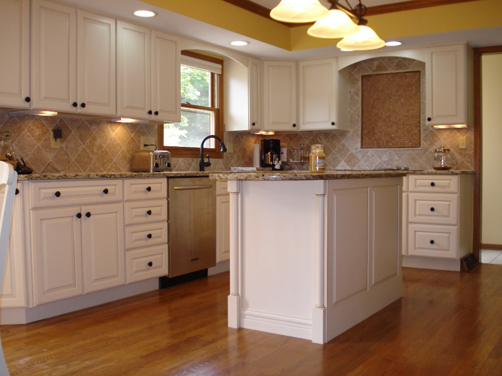 Review on pictures of kitchen home and cabinet reviews for Kitchen cabinets pictures