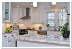 shaker style white kitchen cabinets