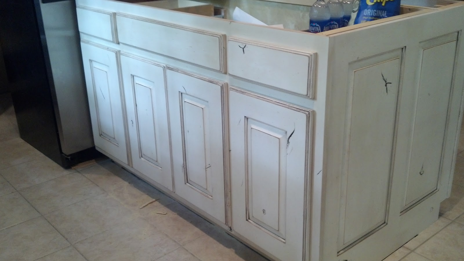 Distressed kitchen cabinets interesting diy distressed for White kitchen cabinets