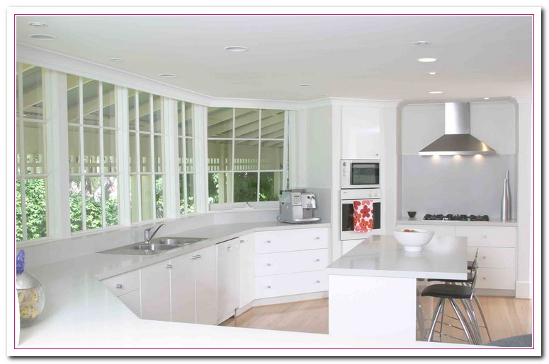 White kitchen design ideas within two tone kitchens home for Kitchen designs with white appliances