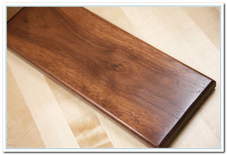 what color is walnut wood