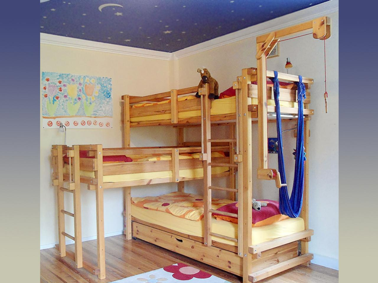 5 out of the box ideas for 3 bed bunk bed home and for Three bed