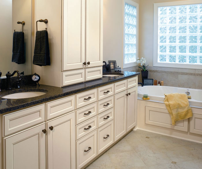 Cream Kitchen Cabinets White Walls