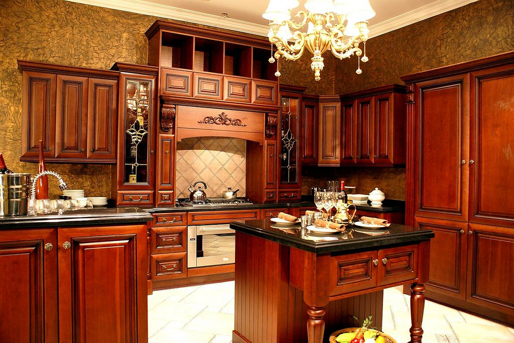 Low budget home depot kitchen home and cabinet reviews for Colores para gabinetes de cocina