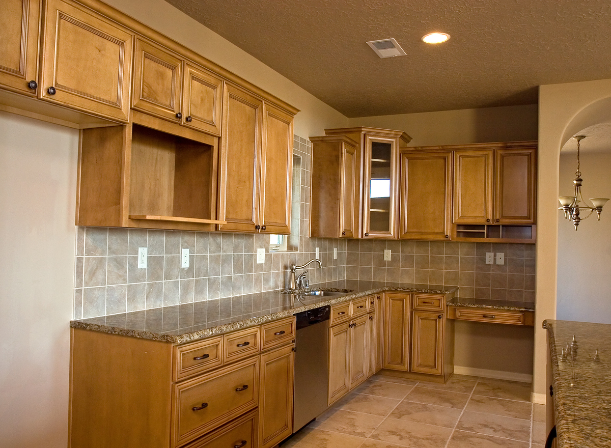 Home depot cabinets on budget home and cabinet reviews for Hanging kitchen cabinets