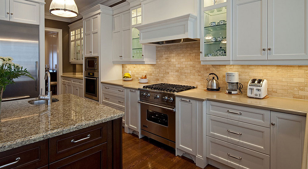 The best backsplash ideas for black granite countertops for Pictures of white kitchen cabinets with granite countertops
