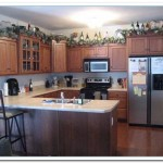 how to decorate kitchen cabinets